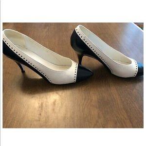 Jacqueline Ferrar high heel shoe